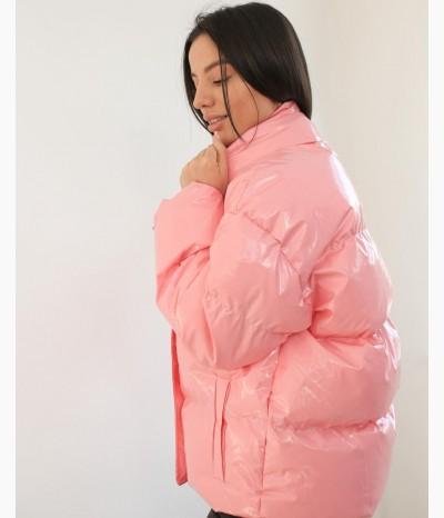 Дутая глянцевая куртка на весну