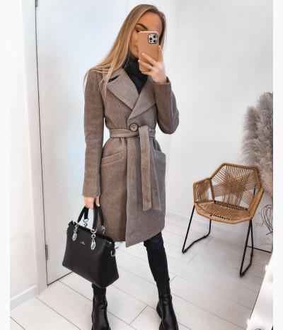 Пальто приталенное от MUST HAVE