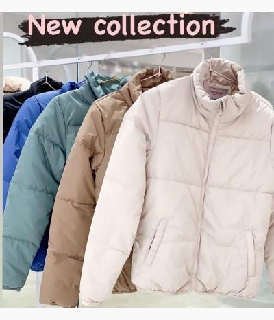 Куртки разных расцветок на весну