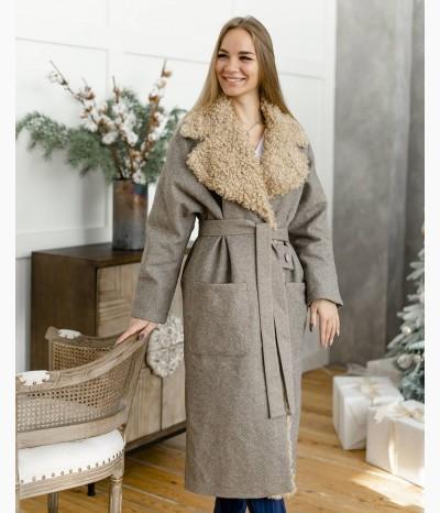 Пальто с отделкой из экомеха в цвете beige