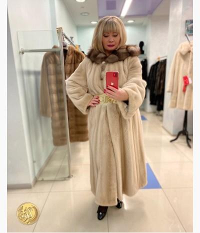 Очень красивое пальто из меха норки